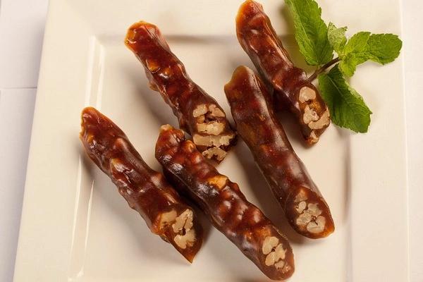 Чурчхела с грецким орехом (в виноградном соке)