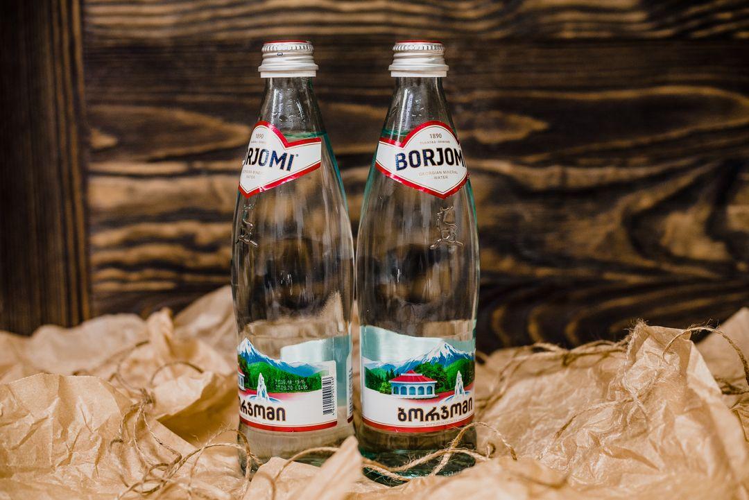 Вода Боржоми в стекле 0,5 л.
